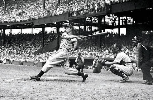 Picture Joe Dimaggio swings!